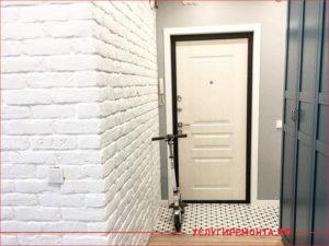 Создание эффекта кирпичной стены в коридоре квартиры