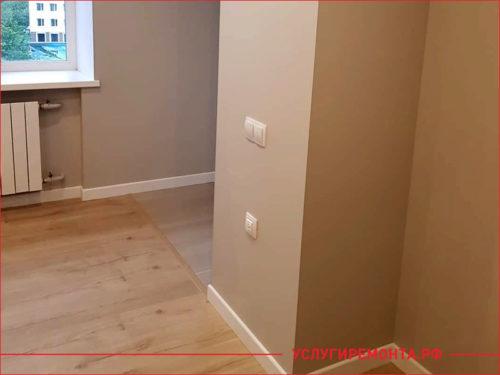 Установлены выключатели на стене при ремонте